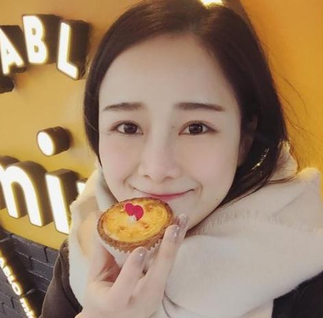 台湾大食い美女はだれ?たれ眉毛のホンチェンスーがかわいい!【画像】