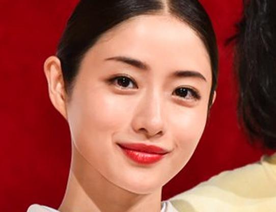 【高嶺の花】石原さとみの口紅ブランドは何?赤リップ色メイクのコツ!
